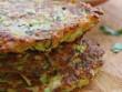 Ẩm thực - Dụ bé ăn ngon lành với bánh khoai tây ăn kèm sốt sữa chua