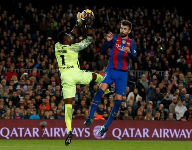 Barca: Messi quyết đuổi Pique, xây hàng thủ 100 triệu bảng