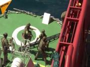 """Video đặc nhiệm Nga  """" đột kích """"  tàu hàng, giải cứu con tin"""