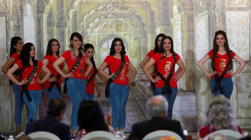 """Hoa hậu Iraq vượt qua """"bão tố"""", đăng quang trong nước mắt - 9"""
