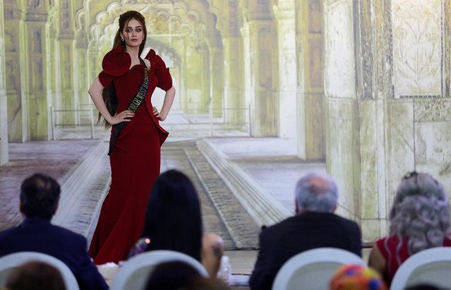 """Hoa hậu Iraq vượt qua """"bão tố"""", đăng quang trong nước mắt - 13"""