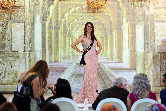 """Hoa hậu Iraq vượt qua """"bão tố"""", đăng quang trong nước mắt - 14"""