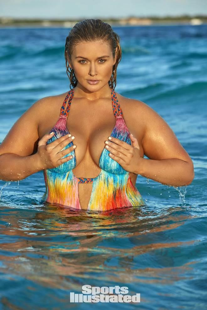 """Gục ngã với dàn mỹ nữ diện bikini vẽ """"thả rông"""" nô đùa trên đảo vắng - 6"""