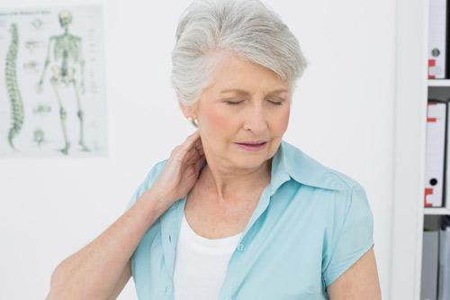 Mách cách điều trị đau nhức lưng, cổ và mỏi vai, gáy chỉ sau 2 tháng - 1