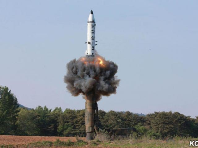 Nhìn lại 12 vụ thử tên lửa của Triều Tiên trong năm 2017