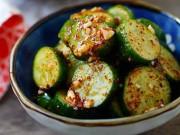 Ẩm thực - Dưa chuột dầm muối ớt giải ngán bữa cơm nhiều thịt