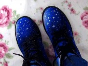 """Biến giày cũ thành  """" hàng độc """" , ai nhìn cũng mê"""