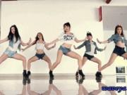 """Sao Hàn bị  """" tuýt còi """"  vì diễn quá gợi tình trước triệu khán giả"""