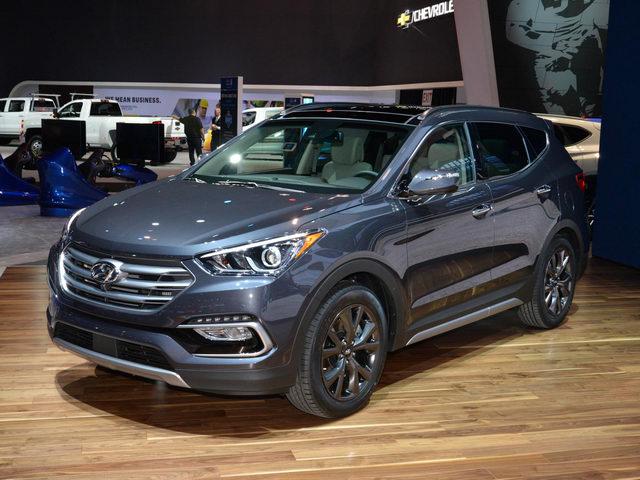 Hyundai Santa Fe ở Việt Nam giảm giá gây sốc