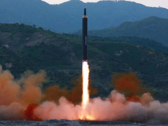 Chuyên gia nói về khả năng tên lửa Triều Tiên bay tới Mỹ