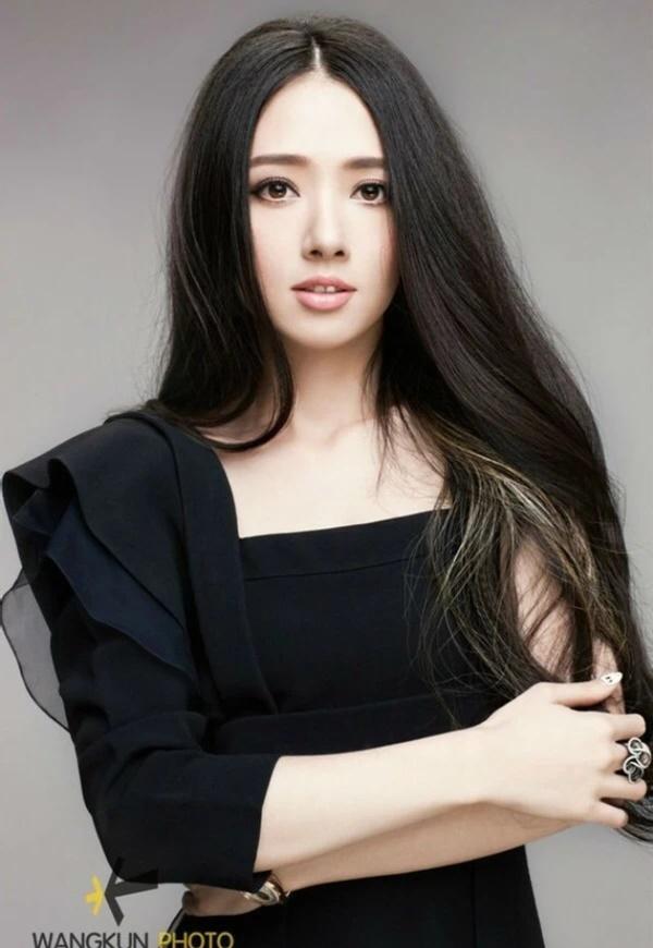 """Ngắm nhan sắc """"thoát tục"""" của mỹ nữ đẹp nhất Mông Cổ - 9"""