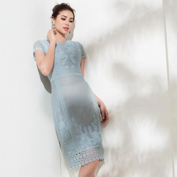 Sau bikini, Phạm Hương chào hè bằng loạt váy nhìn thấu - 2