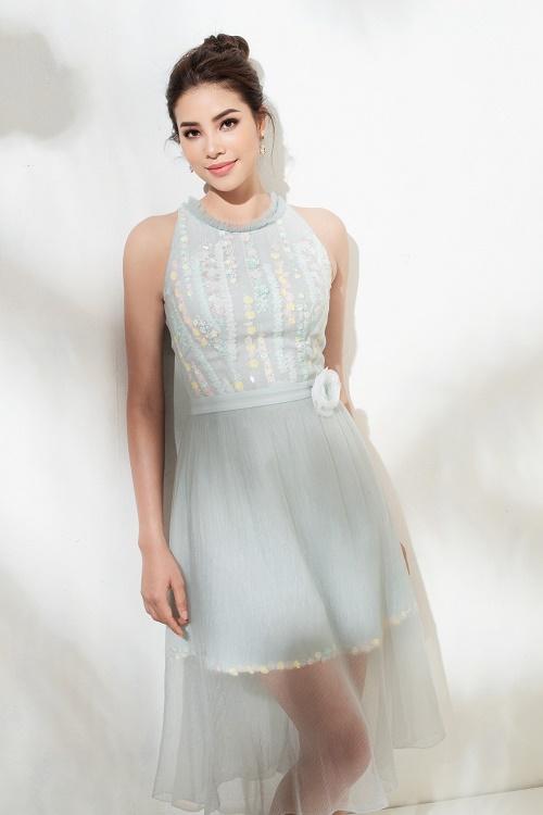 Sau bikini, Phạm Hương chào hè bằng loạt váy nhìn thấu - 5