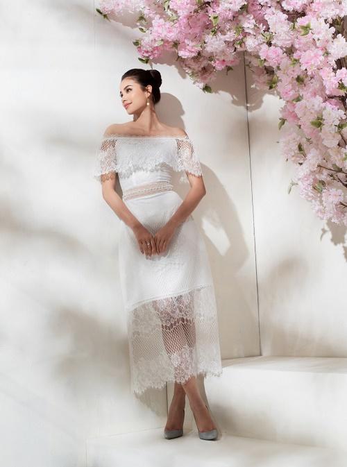 Sau bikini, Phạm Hương chào hè bằng loạt váy nhìn thấu - 9