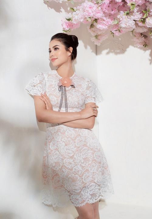 Sau bikini, Phạm Hương chào hè bằng loạt váy nhìn thấu - 10