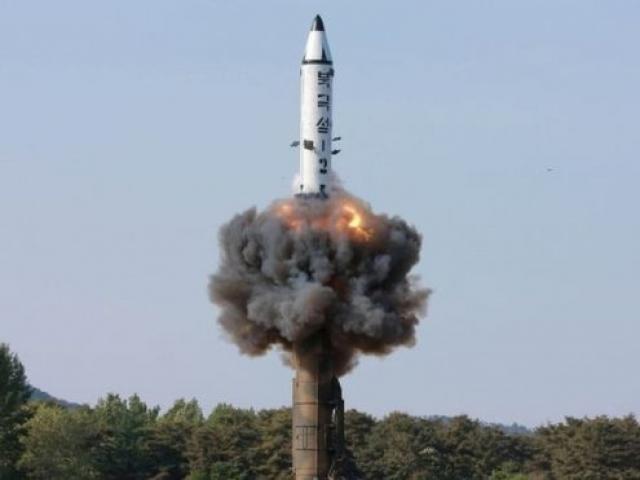 """Triều Tiên bị LHQ trừng phạt """"cứng rắn nhất"""" - 2"""