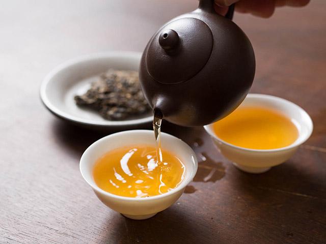 Tự hại bản thân nếu uống trà với những thực phẩm này