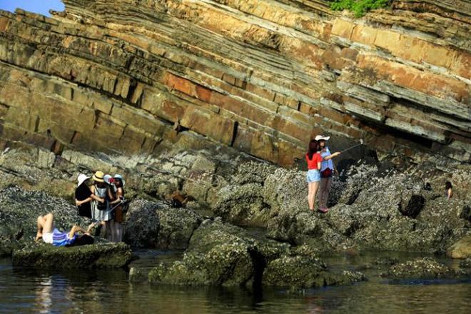 Bãi đá Móng Rồng - thung lũng tình yêu trên đảo Cô Tô - 7