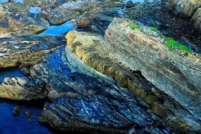 Bãi đá Móng Rồng - thung lũng tình yêu trên đảo Cô Tô - 2