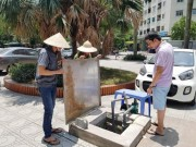 Tin tức trong ngày - Nắng 40 độ, dân Hà Nội nghỉ làm ở nhà canh nước sinh hoạt