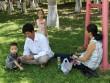 Quá nắng nóng, người dân Đà Nẵng xuống gầm cầu ăn trưa