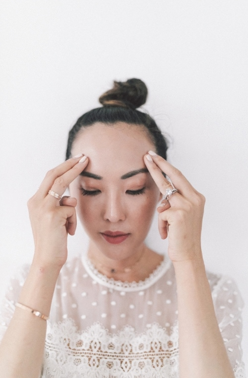 Nếu chưa biết bôi kem dưỡng đúng điệu, học ngay người đẹp gốc Hàn! - 6