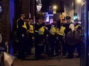 Thế giới - Anh: Khủng bố lao ô tô vào đám đông, xuống rút dao cắt cổ