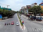 """Tin tức trong ngày - Người Hà Nội """"cố thủ"""" trong nhà trốn nắng, phố phường vắng hoe"""