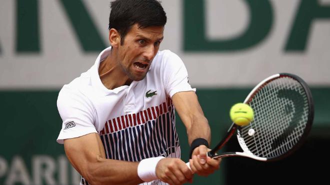 "Djokovic - Vinolas: Thoát hiểm với ""đòn cân não"" (Vòng 4 Roland Garros)"