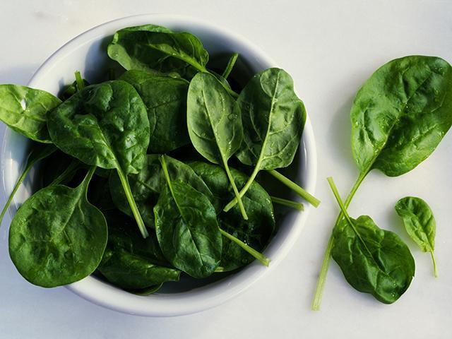 7 món ăn có thể giúp bạn chống rụng tóc - 4