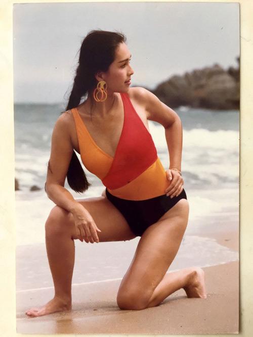 """30 năm trước, """"nữ hoàng ảnh lịch"""" đã táo bạo thế này khi đi biển - 5"""