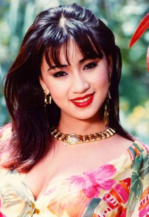 """30 năm trước, """"nữ hoàng ảnh lịch"""" đã táo bạo thế này khi đi biển - 6"""