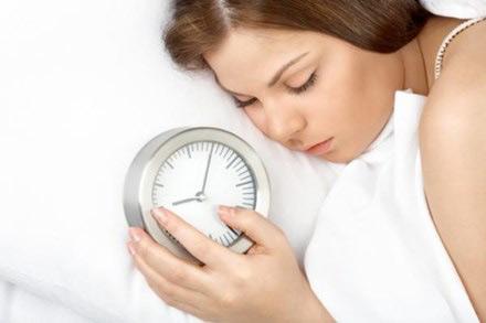 Ngủ ít hơn 6 giờ mỗi ngày tăng gấp đôi nguy cơ tử vong - 1