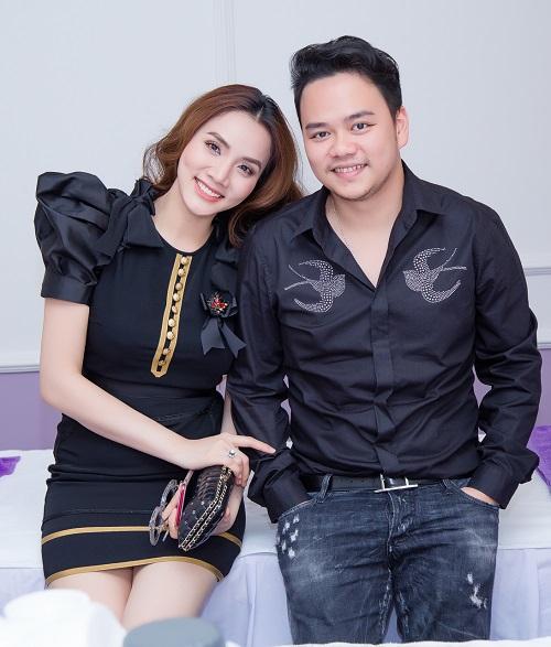 """Bóc giá váy áo hàng hiệu """"nâng tầm đẳng cấp"""" của Trang Nhung - 6"""