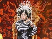 """Việt Hương  """" ngưng thở """"  nghe Siu Black hát cải lương"""