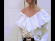 Mẹo hay: Hô biến áo cũ của chàng thành áo mốt cho nàng
