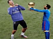 """Bóng đá - Báo chí khen Ronaldo bất tử, Messi """"tự nguyện"""" dâng Bóng vàng"""