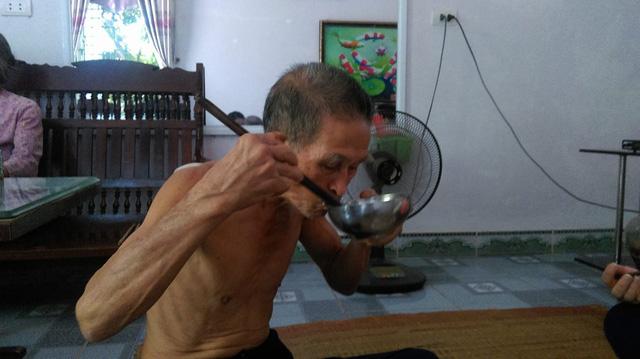"""""""Thánh ăn"""" đất Hà Thành: """"Giờ gần 80 tuổi rồi nên mỗi bữa tôi chỉ ăn 7 bát cơm"""" - 2"""