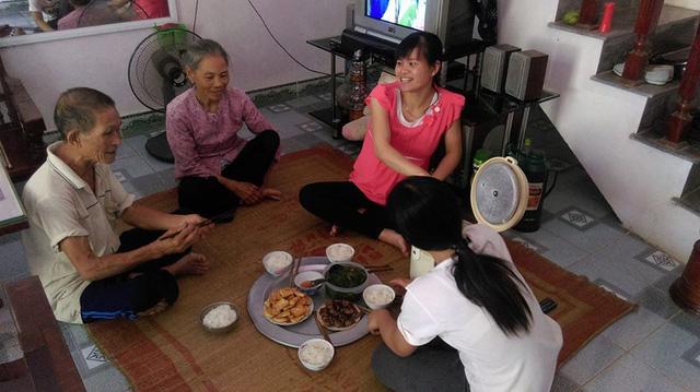 """""""Thánh ăn"""" đất Hà Thành: """"Giờ gần 80 tuổi rồi nên mỗi bữa tôi chỉ ăn 7 bát cơm"""" - 1"""