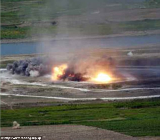Không quân Triều Tiên rầm rộ tập bắn phá tàu sân bay - 4