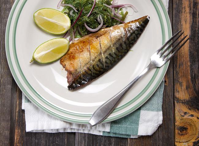 2. Cá thu giàu Omega-3, chất béo lành mạnh rất tốt cho sức khỏe tim mạch, giảm viêm, chống lại ung thư.