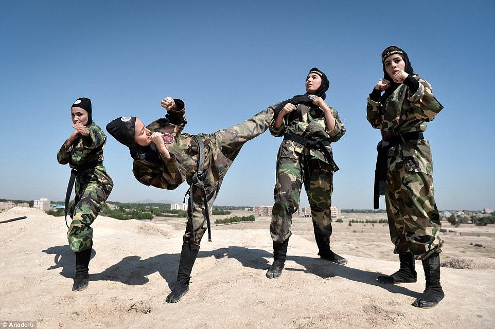 """Lò luyện 4.000 nữ ninja """"lấy mạng người dễ như bỡn"""" ở Iran - 1"""