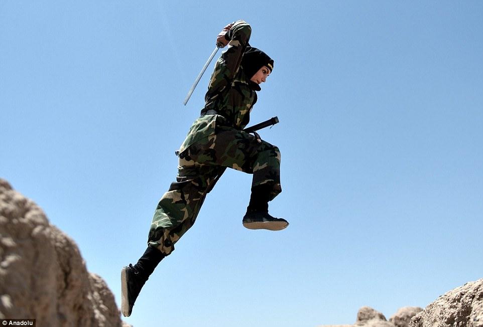 """Lò luyện 4.000 nữ ninja """"lấy mạng người dễ như bỡn"""" ở Iran - 4"""