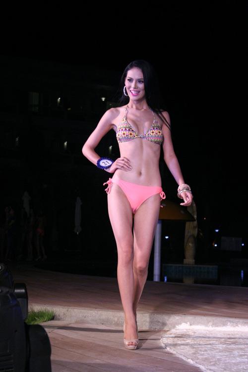 """Vẻ sexy của người đẹp Đà Nẵng vừa có đám cưới 10 tỷ với đại gia """"mía đường"""" - 2"""