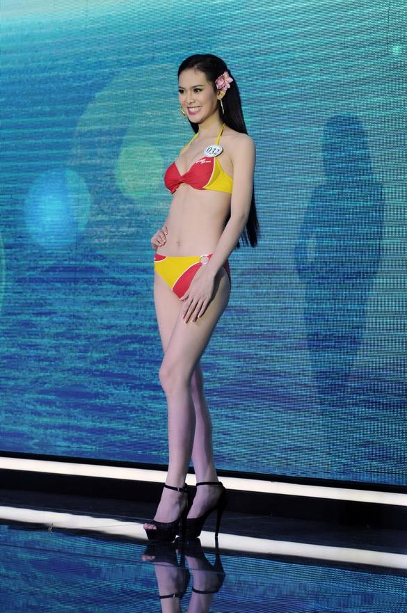 """Vẻ sexy của người đẹp Đà Nẵng vừa có đám cưới 10 tỷ với đại gia """"mía đường"""" - 6"""
