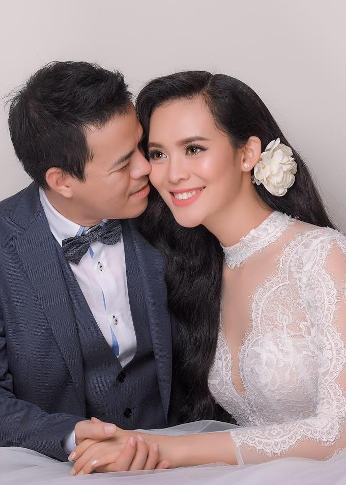 """Vẻ sexy của người đẹp Đà Nẵng vừa có đám cưới 10 tỷ với đại gia """"mía đường"""" - 12"""
