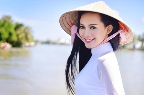 """Vẻ sexy của người đẹp Đà Nẵng vừa có đám cưới 10 tỷ với đại gia """"mía đường"""" - 11"""
