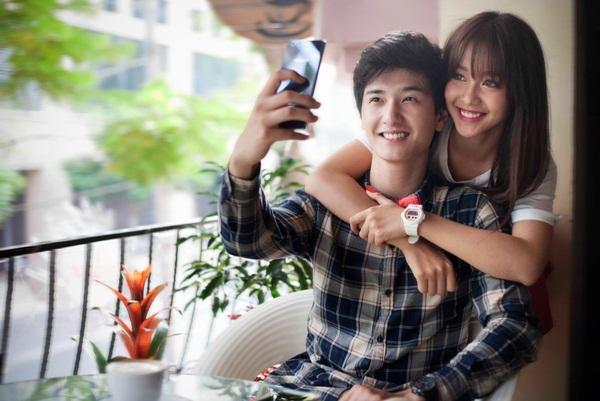 Cảnh diễn tình tứ của Huỳnh Anh và các người đẹp chẳng kém Hoàng Oanh - 11