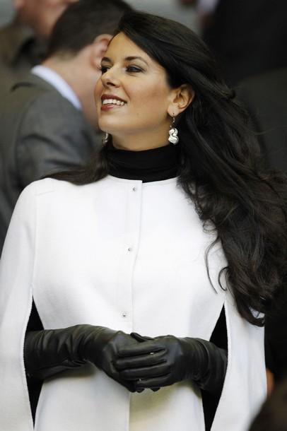 """Vợ chân dài quyến rũ của """"ông chủ"""" CLB Liverpool, Chelsea - 8"""
