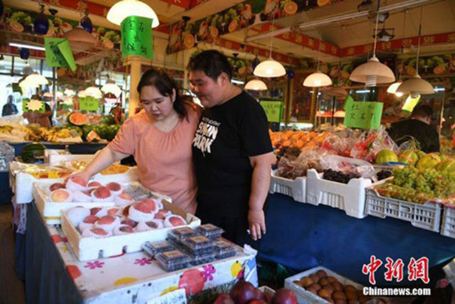 Cặp vợ chồng trẻ cùng nhau giảm 200kg để sinh con - 6